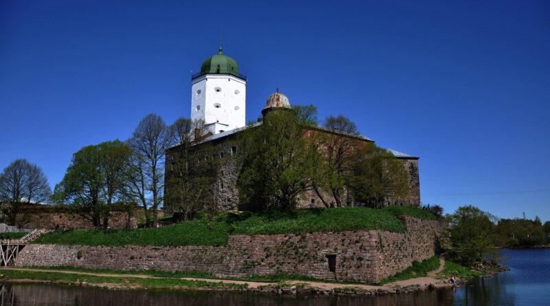 Большая экскурсия по Выборгу: средневековый город и Замок